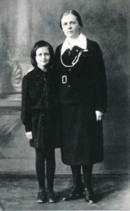 Ona Maksimaitienė su dukra Rimgaile