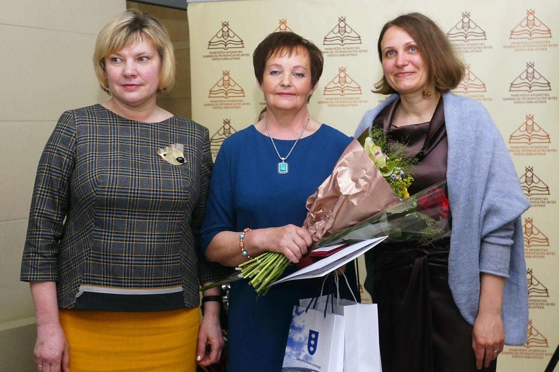 Ignalinos rajono savivaldybės administracijos Švietimo ir kultūros skyriaus vedėja Gražina Mackonienė, Vanda Laurinavičienė, bibliotekos direktorė Jurgita Bugailiškienė