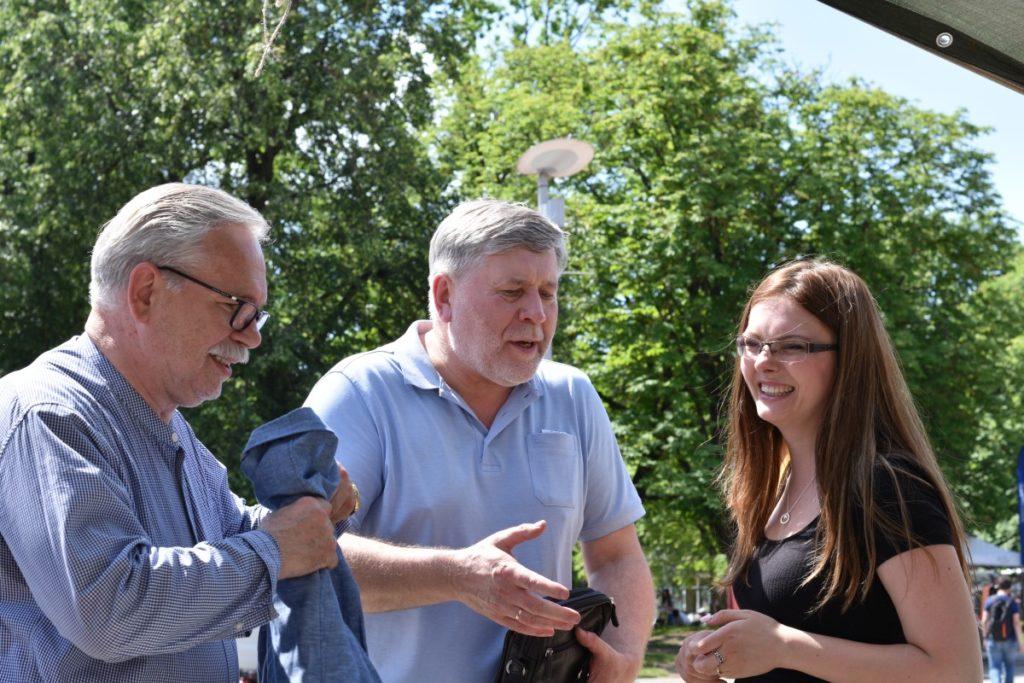 Vasaros knygų fiesta. Valdemaras Jakštas, algimantas Skvereckas ir Malvina Zimblienė
