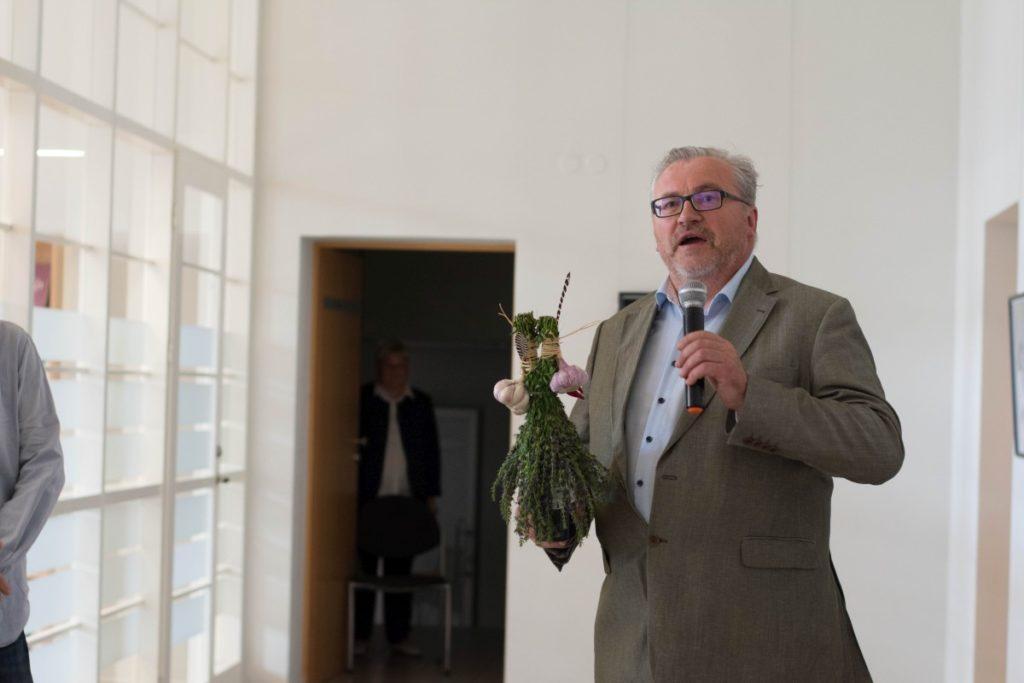 Emocingas Panevėžio dailės galerijos, Stasio Eidrigevičiaus menų centro direktoriaus Egidijaus Žukausko sveikinimas.