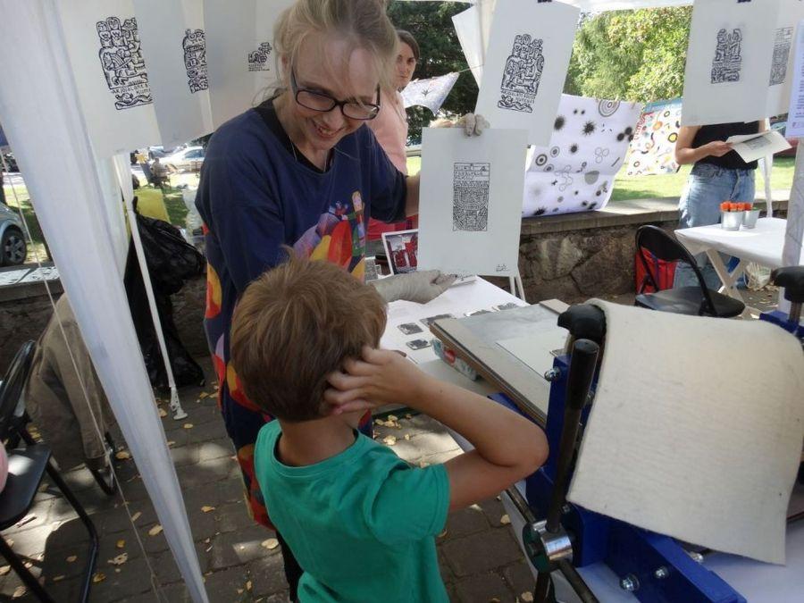 Kūrybos džiaugsmas su Knygų šalies menininkais