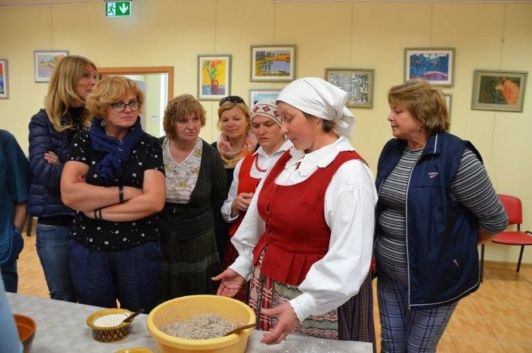 Projekto dalyviai susipažino su dzūkų krašto tradicijomis