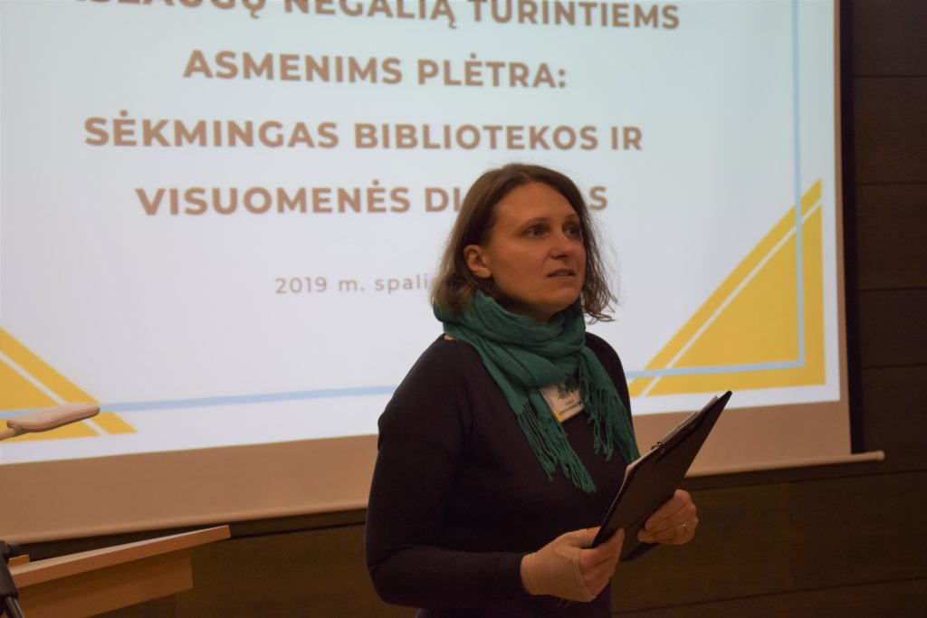 Panevėžio apskrities Gabrielės Petkevičaitės-Bitės viešosios bibliotekos direktorė J. Bugailiškienė