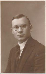 Stasys Juodikis. Fotogr. Igno Stropaus. Kretinga. 1928 m. PAVB