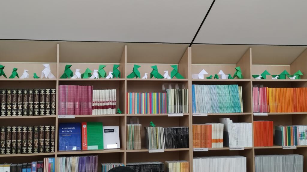 Origamiai – dovana bibliotekai