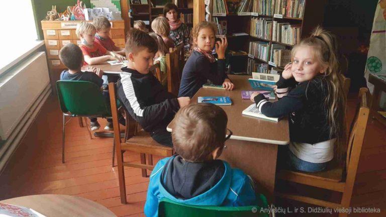 Edukacija Debeikių bibliotekoje