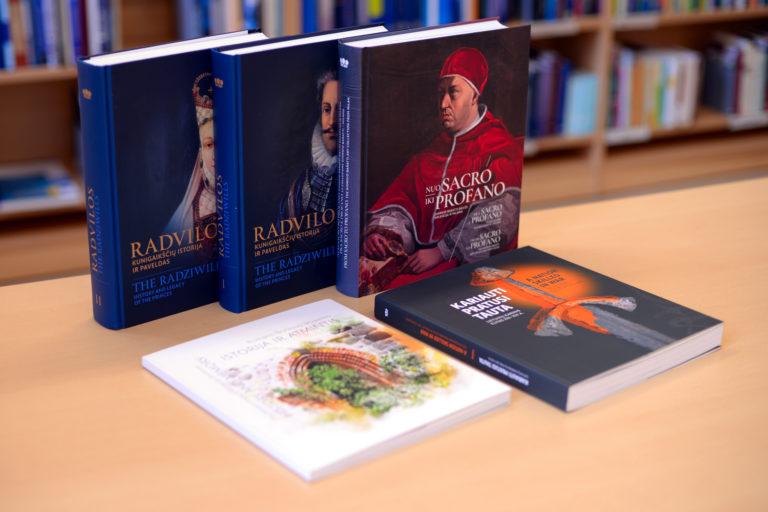 valdovu-rumu-naujos-knygos