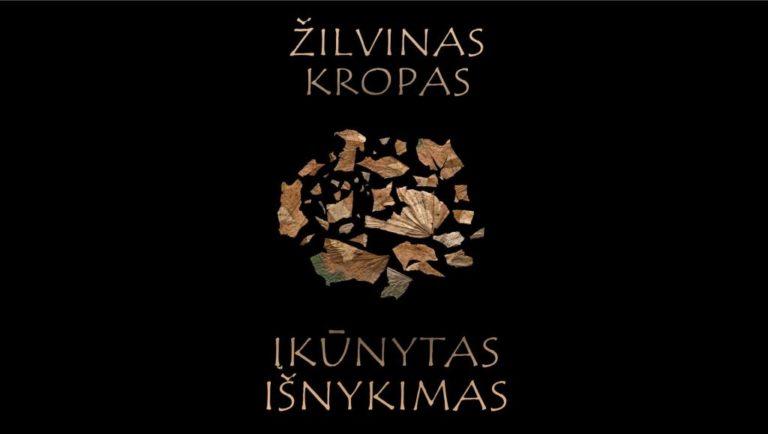 """Žilvino Kropo fotografijų parodos """"Įkūnytas išnykimas"""" plakatas"""