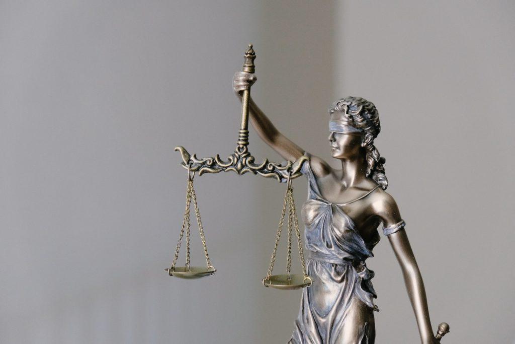 Naudinga informacija apie valstybės finansuojamą teisinę pagalbą