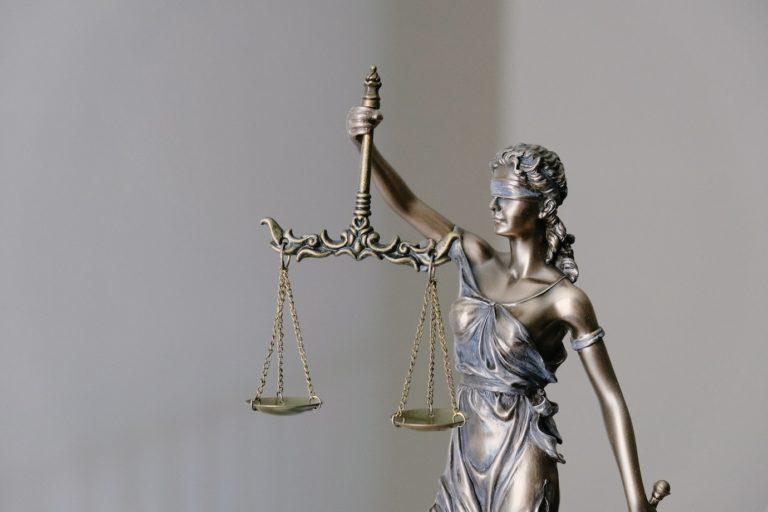 Temidės, graikų mitologijos Teisingumo deivės, skulptūra