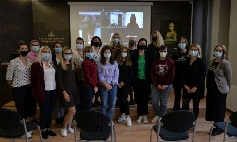 Grupė žmonių, Baltijos šalių jaunųjų bibliotekininkų suvažiavimo dalyviai