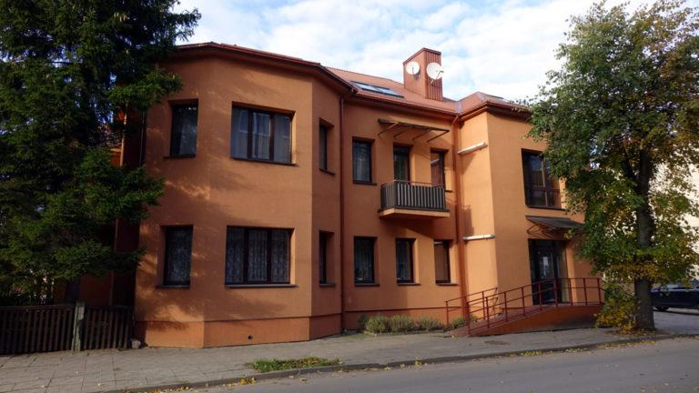 Namas, kuriame 1961–1975 m. gyveno teatro ir kino aktorius Bronius Babkauskas